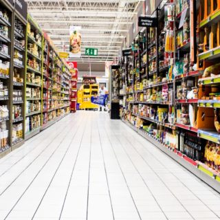 Le visioni di Laura 10 – Il mistero del vecchio supermercato di Gordiano Lupi